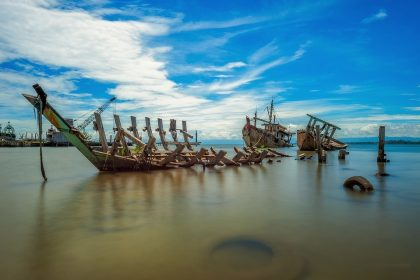Blog on 10 tips to avoid shipwreck and win the job