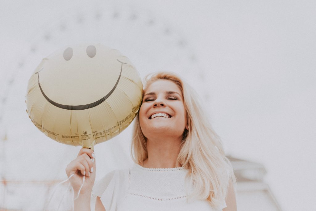 Blog article on how to be happy at work